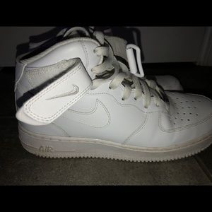 Selling Nike Air Force 1 shoes